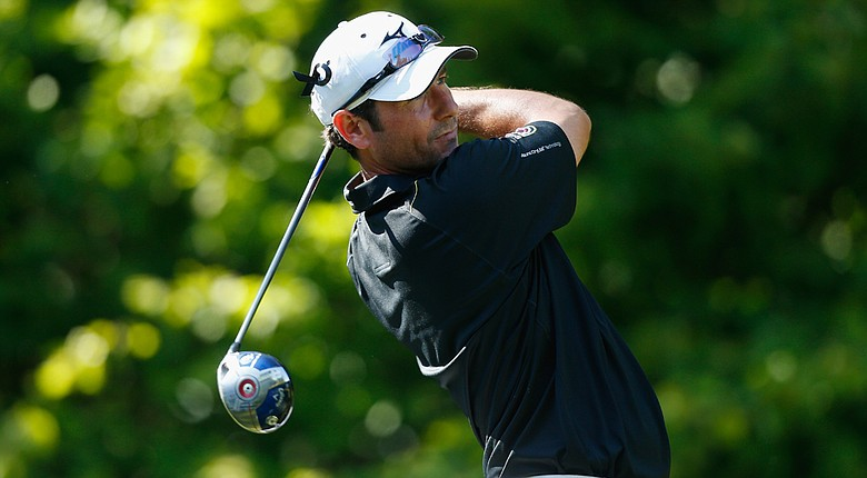 Peter Whiteford fired a 4-under 66 to join a share of the 54-hole lead at the Russian Open.