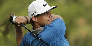 Bogey free, Watney moves to Barracuda lead