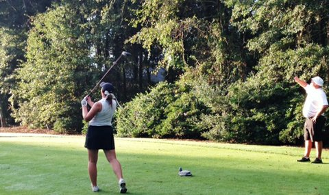 Valparaiso sophomore Sydney Shrum at the start of the 2014 Golfweek Program Challenge.