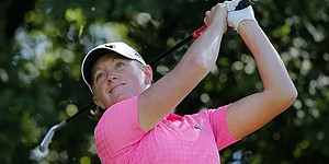 Lewis stays on top at Reignwood LPGA Classic