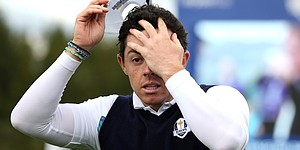 Rory McIlroy putts into bunker at St. Andrews