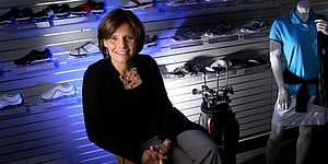 Davis to retire as president of Nike Golf