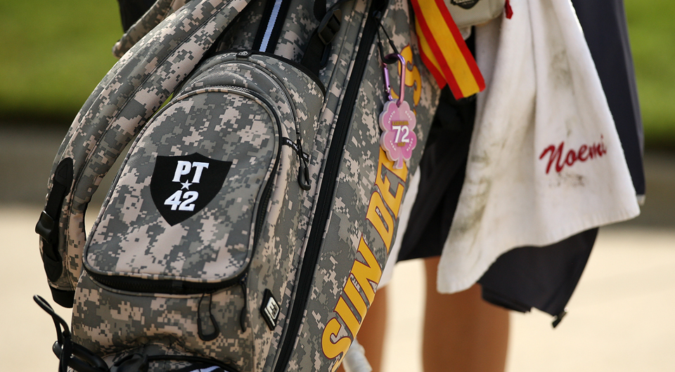 Arizona State and Furman are among the college golf programs that honor fallen and injured veterans with special bags.