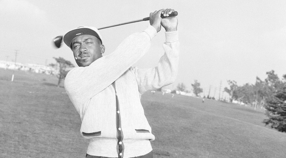 Charlie Sifford never dreamed he would visit the White House. Monday afternoon, in front of hundreds of guests, the pioneer golfer was honored for having integrated professional golf by President Barack Obama with the Presidential Medal of Freedom.