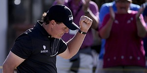 Phil Mickelson poised for comeback