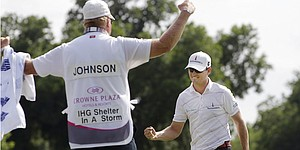 Caddies sue PGA Tour in quest to share in bib money