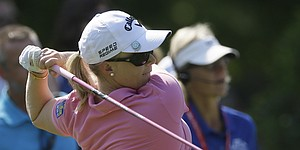 Pressel takes share of Kia Classic lead with course-record 64