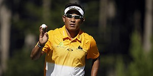 Jaidee builds big lead, then holds off Furyk in Match Play