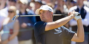 With clear head, Spieth brushes off U.S. Open setup and shares lead