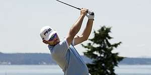 Louis Oosthuizen rides wedge to 66, U.S. Open contention
