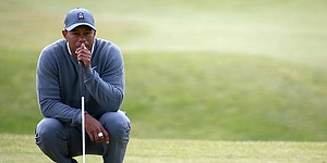 Tiger Woods' start at St. Andrews sets the wrong kind of records