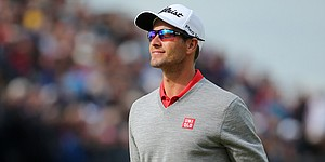 For 4th year in a row, Adam Scott plays his way into British Open contention