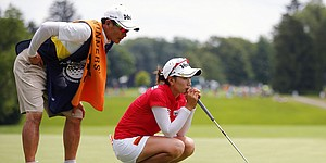 Chella Choi gets first LPGA victory with dad on bag