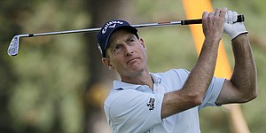 Jim Furyk builds four-shot lead at halfway point of Bridgestone