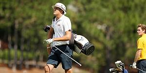 Buddy Hallman shows championship form in taking Golfweek DIII lead