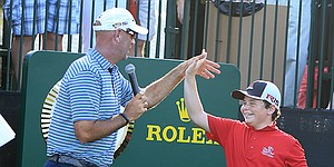 Stewart Cink creates memories for junior golfers during clinic at Bay Hill