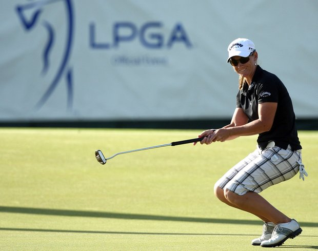 Kristy McPherson of the USA plays just misses a putt at the 18th hole during the third round of the 2009 Kraft Nabisco Championship.