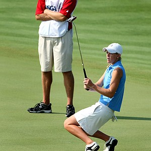 Amy Anderson narrowly misses her putt at no. 9.