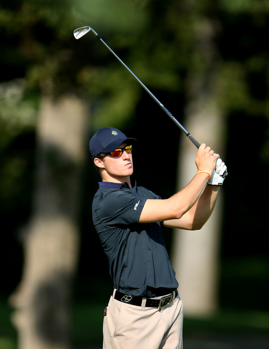 Morgan Hoffmann plays a shot Monday at the U.S. Amateur.