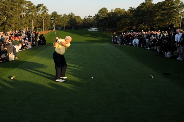 Arnold Palmer hits the first tee shot to kick off the 2009 Masters.