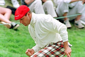 Payne Stewart reacts to a birdie putt during the 1998 U.S. Open in San Francisco.