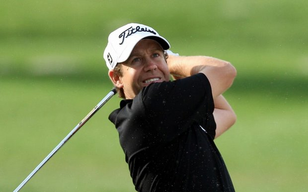 Erik Compton advanced easily to the second stage of PGA Tour Q-School.