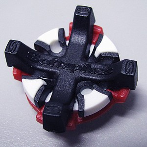 Black Widow spikes have interchangeable colors within the different layers of the cleat. They also feature different degrees of give according to the firmness of the greens being played on.