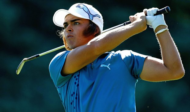 Rickie Fowler trails Justin Rose by a shot after the first round of the Children's Miracle Network Classic.