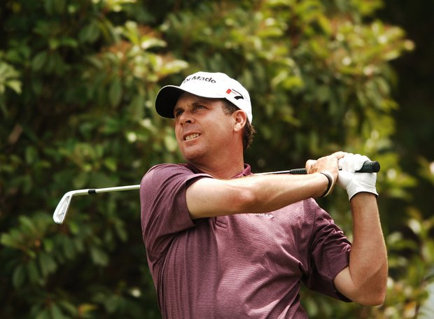 Doug Barron hits from the fifth tee during the final round of the 2005 EDS Byron Nelson Championship.