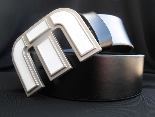 Travis Mathew Icon belt in black leather.