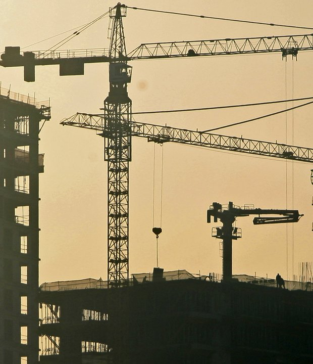 Few cranes in Dubai are being operated.