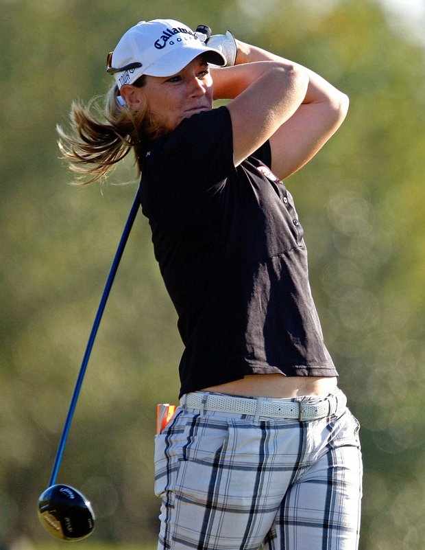 Kristy McPherson leads the LPGA Tour Championship after firing a 5-under 67 on Sunday.