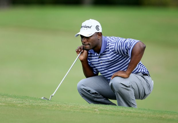 Madalitso Muthiya lines up a putt at No. 17.