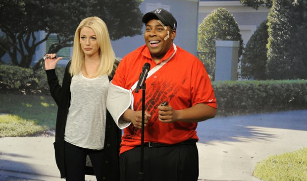 Saturday Night Live cast member Kenan Thompson as Tiger Woods and host Blake Lively as Woods' wife on the Dec. 5 episode.