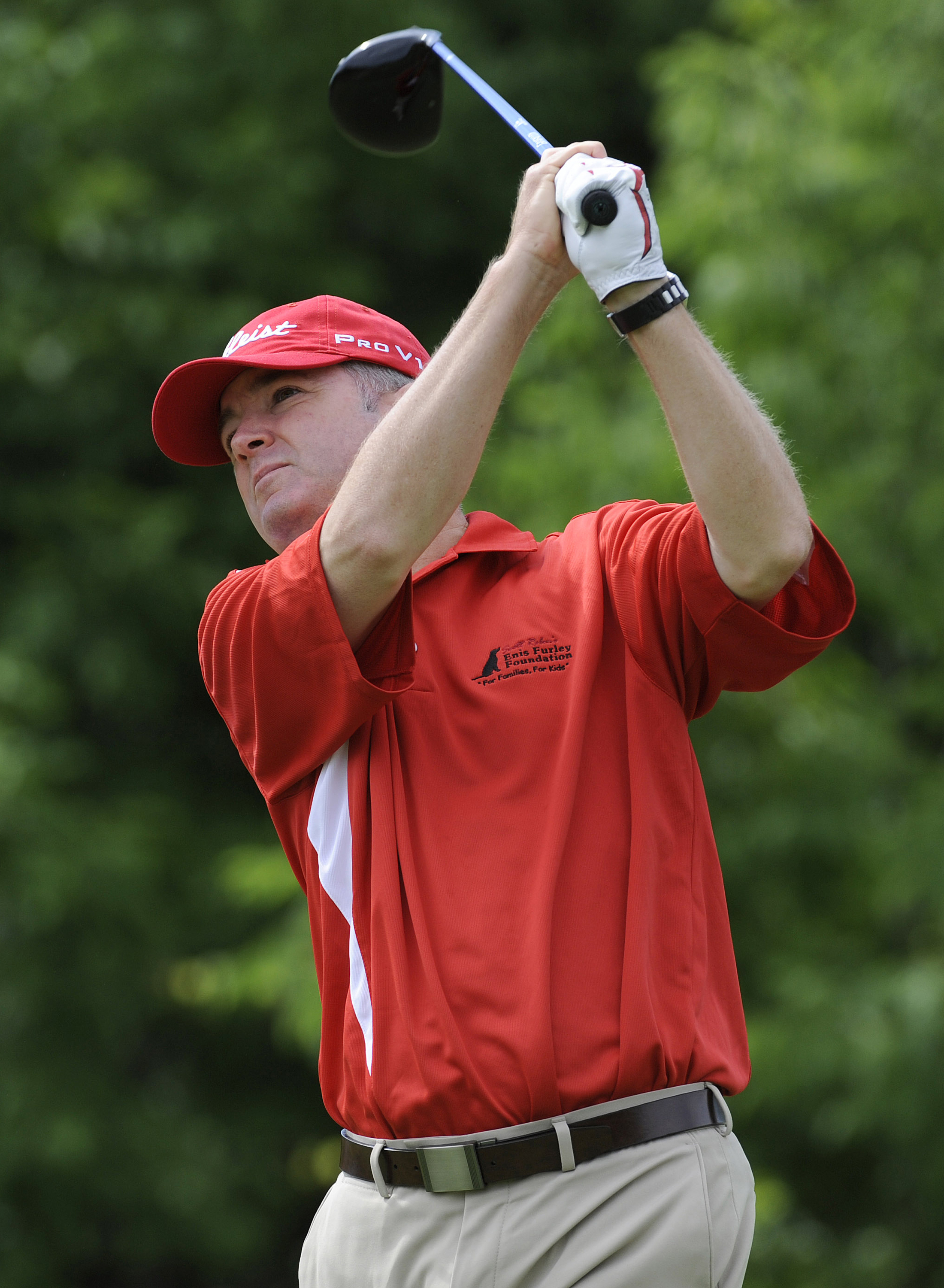 A putting tip from his pastor resulted in serious improvement for Craig Bowden .