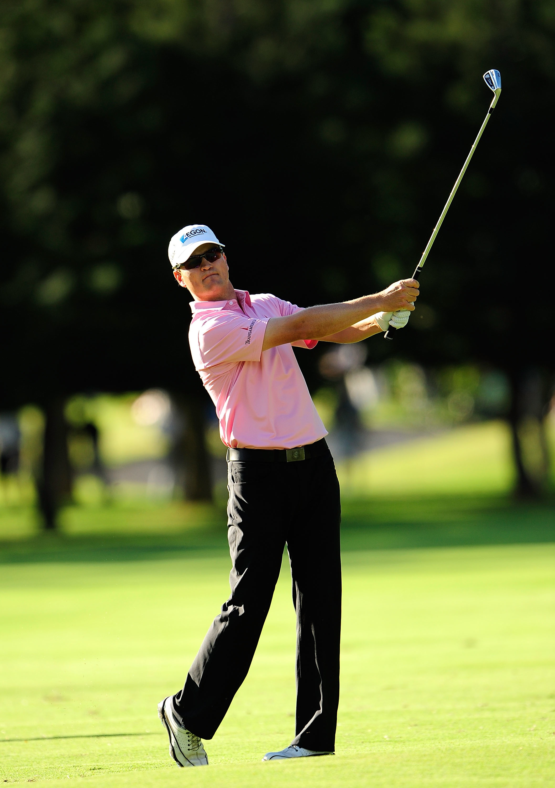 Zach Johnson in a pink Dunning polo during round three of the Sony Open.