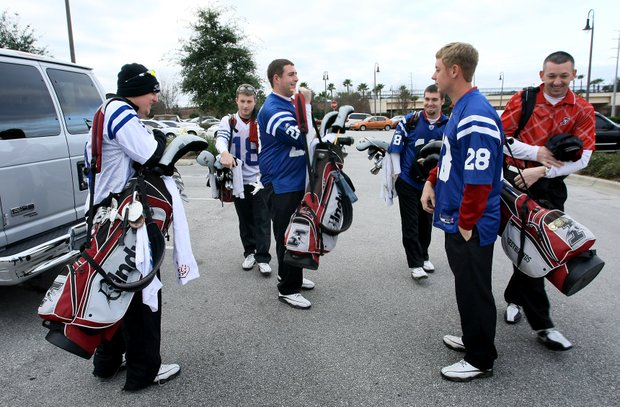 The University of Indianapolis golf team have picked their Superbowl favorites by wearing Colts jerseys during their warm up at Golfweek's Spring Invitational.