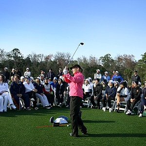 Annika Sorenstam shows junior players some of her 40-yard shots.