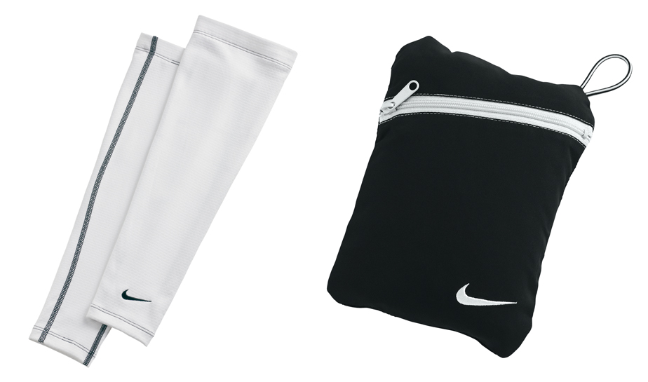 White thermasleeves with small carry bag.