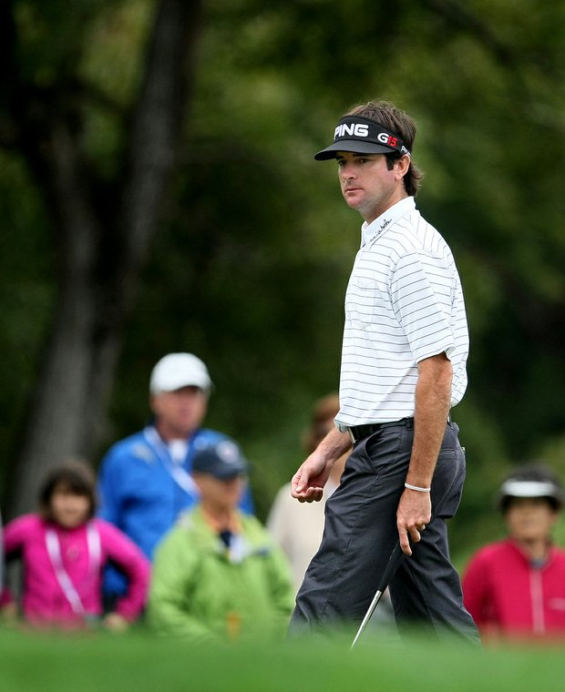 Bubba Watson followed a birdie at the par-5 fifth with a par at the par-4 sixth.