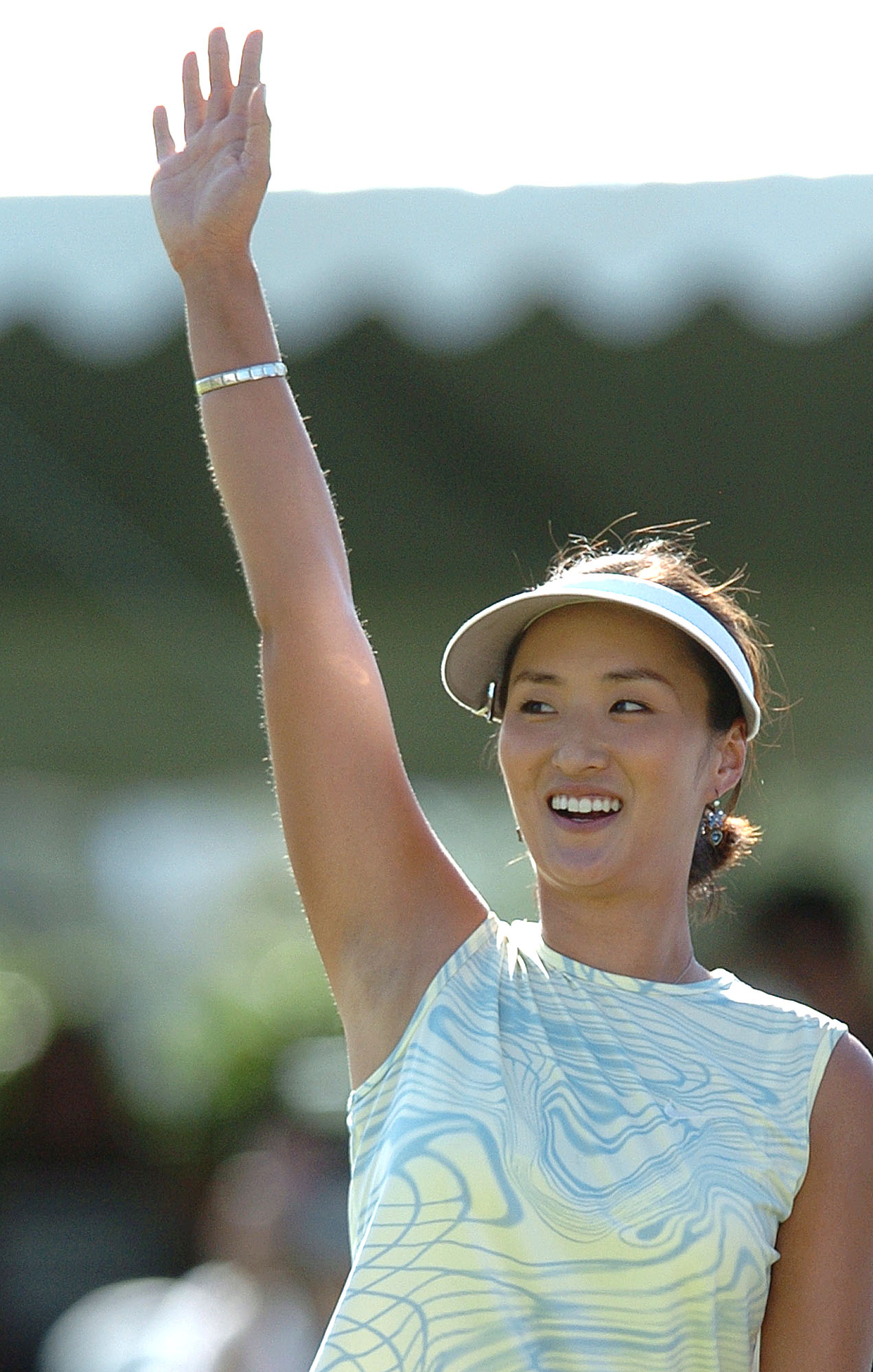 Grace Park waves to the gallery after winning the 2004 Kraft Nabisco Championship.