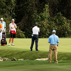 Tim Petrovic takes an odd stance at No. 6 for his shot to the green. He went on to bogey the hole.