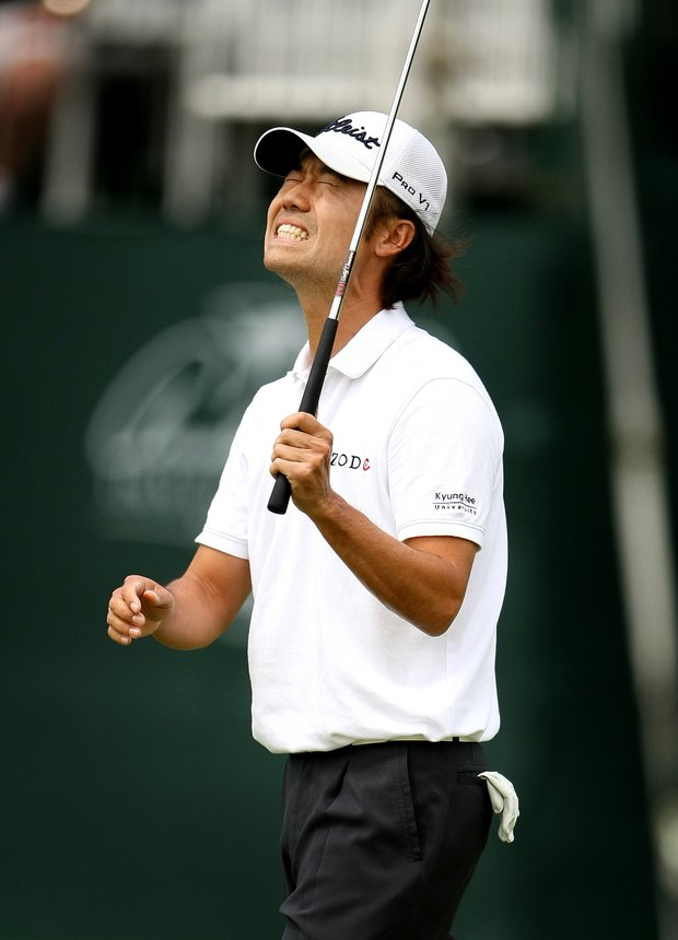Kevin Na reacts to missing his birdie putt at No. 17. He tied for second.