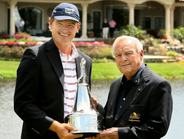 Ernie Els finished off a 1-under 71 on Monday to win the Arnold Palmer Invitational at Bay Hill.