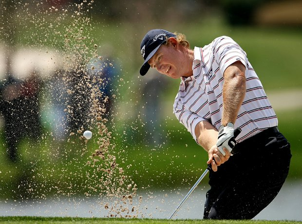 Ernie Els finished off a 1-under 71 Monday to win the Arnold Palmer Invitational by two shots.