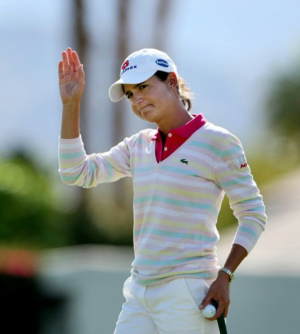 Lorena Ochoa is one shot off the lead after she fired a 4-under 68 Thursday.