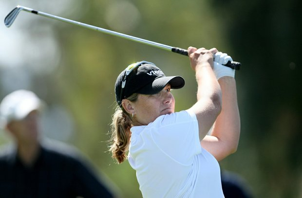 Karen Stupples shot 69 Friday to jump into a share of the lead with Lorena Ochoa in the second round of the Kraft Nabisco Championship.