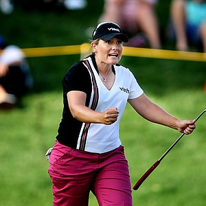 Karen Stupples reacts to making birdie at No. 17 to move to 10-under.