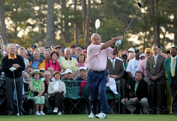 Arnold Palmer hits his ceremonial tee shot to start the 2010 Masters.