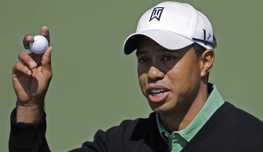 Tiger Woods shot 2-under 70 in Round 2.